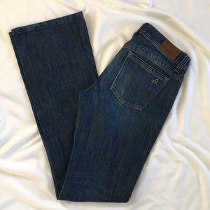 DL1961 Milano Bootcut Jeans Regular Wash size 28